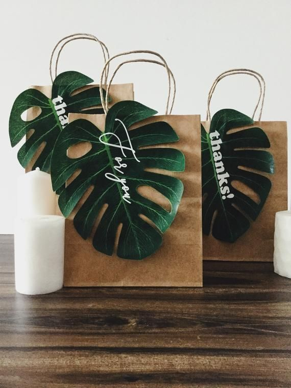 Wedding favors gift tag custom gift tag leaf gift tag tropical leaf tag tropical wedding tropical leaves tropical leaf gift tags
