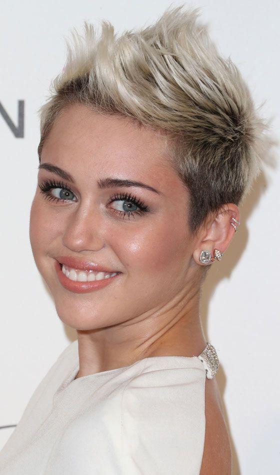 10 Kurzhaarfrisuren Speziell Fur Frauen Mit Glatten Haaren Neue Frisur Haare Und Beauty Short Hair Cuts For Women Pixie Haircut Square Face Hairstyles