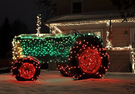 The Batavian Online News Community Views Christmas Light Show Christmas Parade Floats Western Christmas