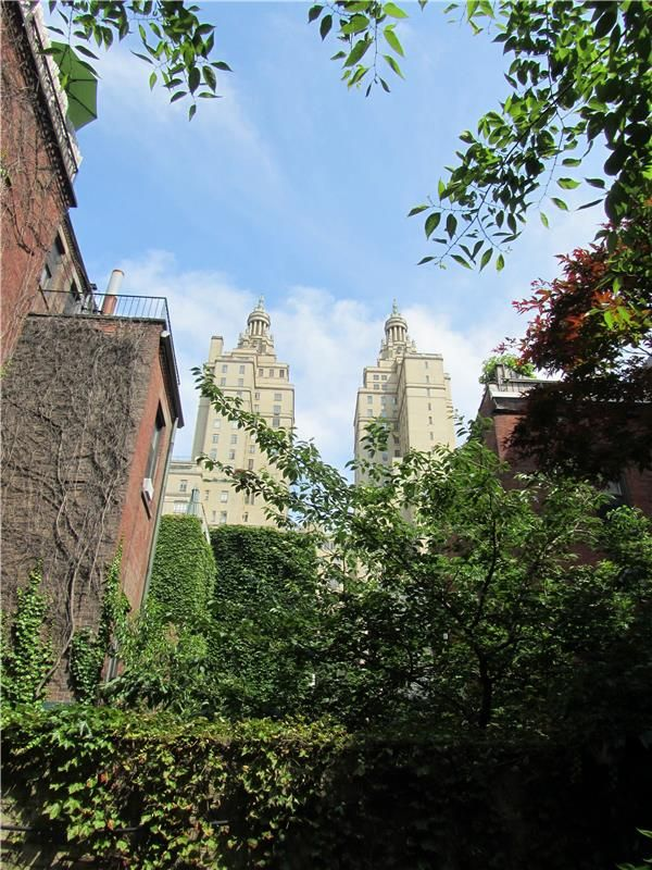 32 West 75th Street-Upper West Side-New York. Garden View