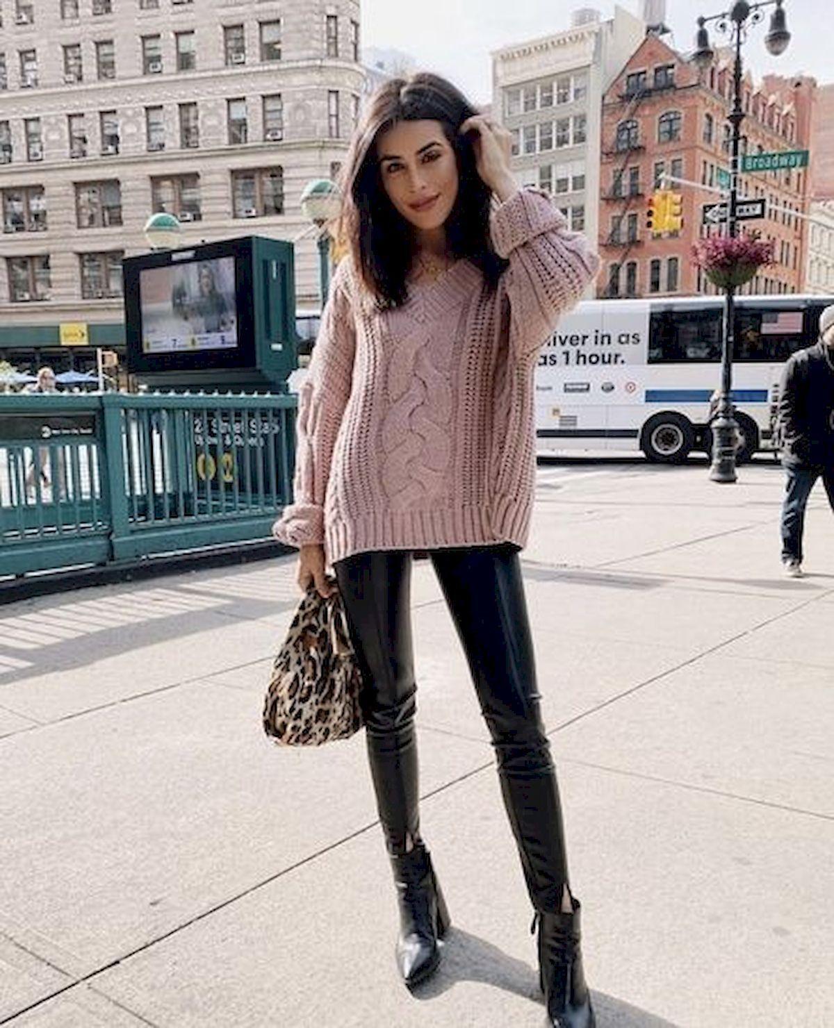 ab74c819745 Cool 55 Best Ideas Outfits for Short Women source    https   trendingofashion.