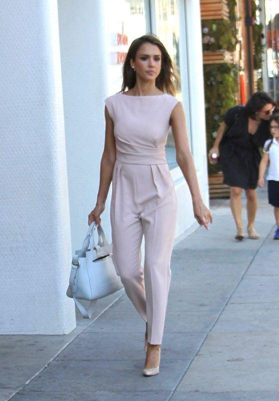 5c61ec2b298 5 Stunning Jumpsuit Outfit Ideas   1. Be Utilitarian like Jessica Alba