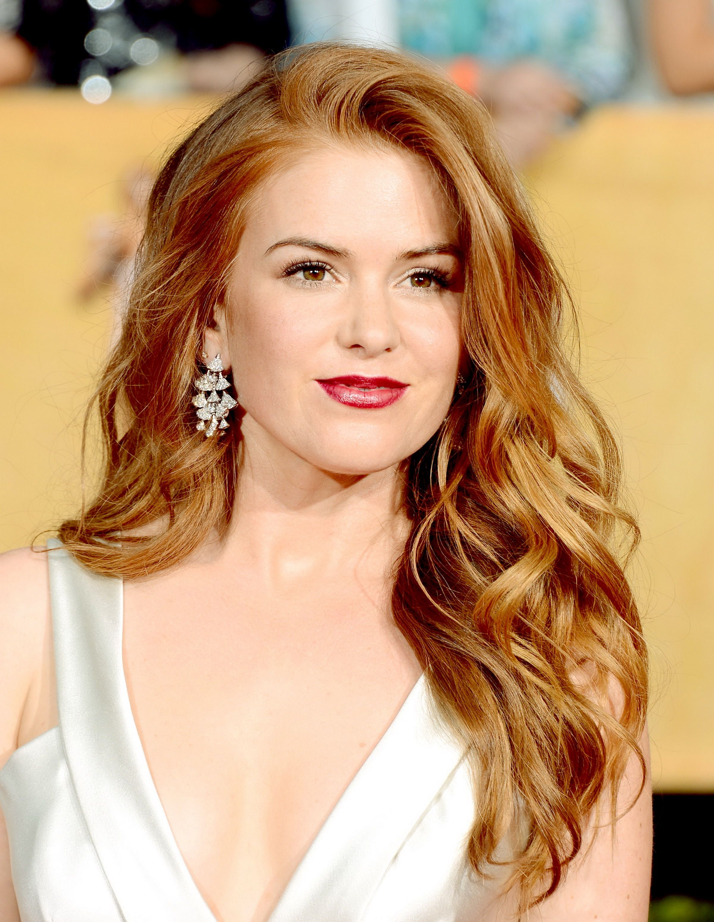 Color and waves fashionable long hairstyles for womeng