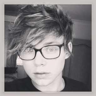 Aston Irwin ♡ Glasses♡ #Perfection ♡ 5SOS ¤ 5 Seconds Of Summer♥