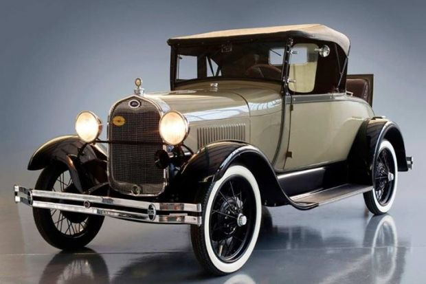 1929 Ford Model A Convertible Old Car The Model A Was The First Ford To Use The Standard Set Of Driver Controls With Conventi Antique Cars 1920s Car Roadsters