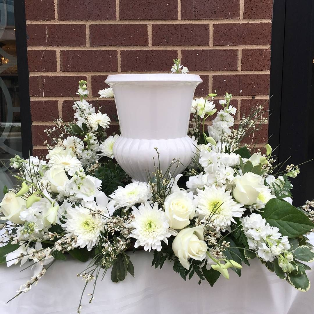 Elegant urn tribute wreath mmflowers funeral floral designs elegant urn tribute wreath mmflowers izmirmasajfo Choice Image