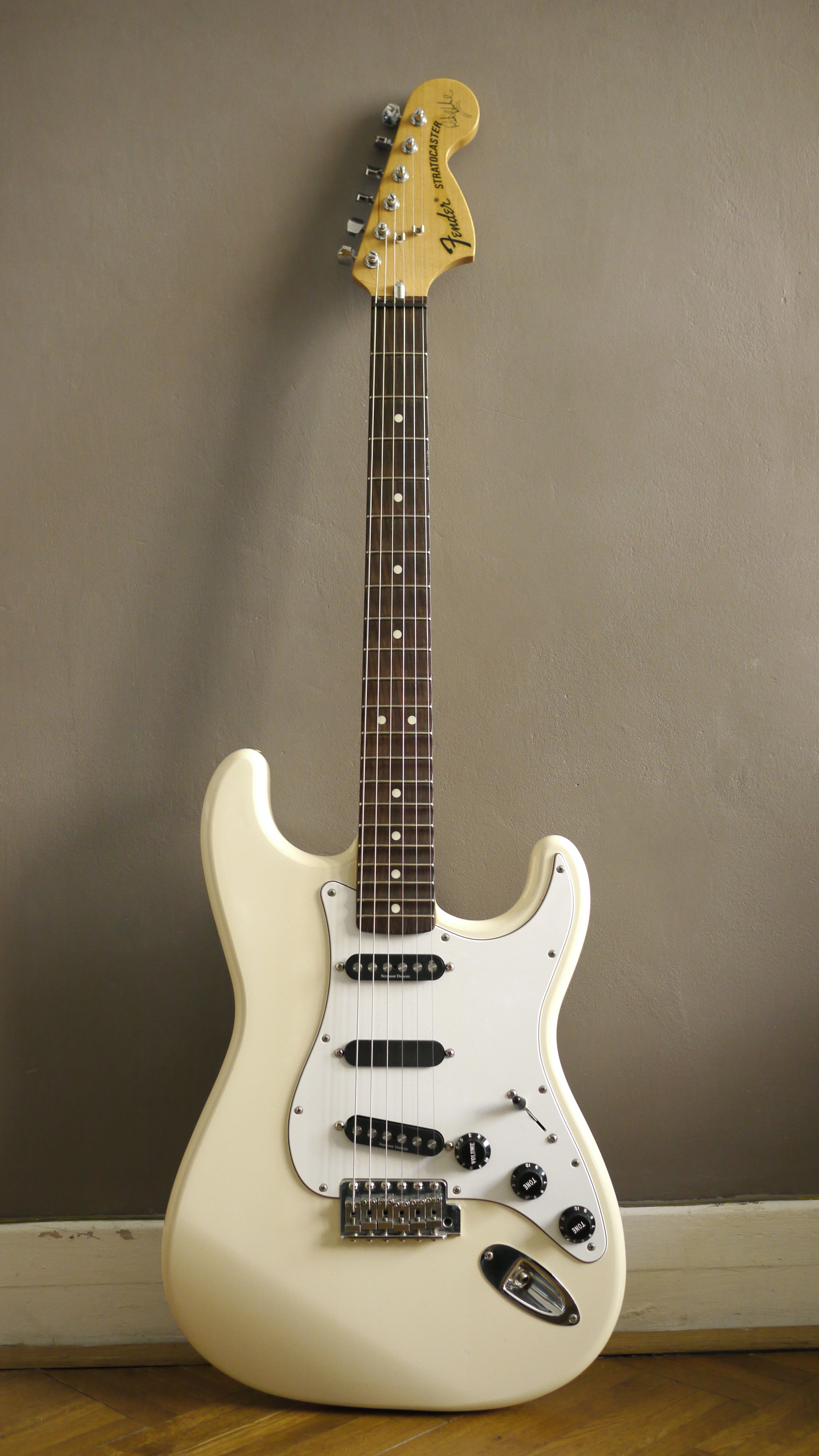 hight resolution of fender ritchie blackmore signature stratocaster