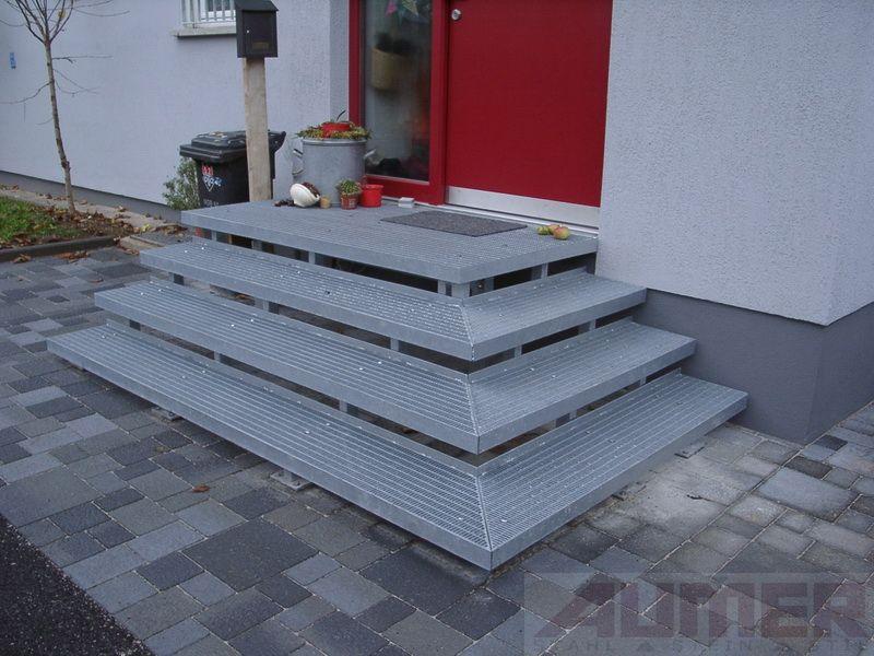 pin von laudacio auf escadas externas aussentreppe treppe und vordach. Black Bedroom Furniture Sets. Home Design Ideas