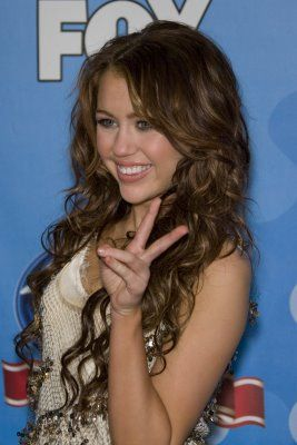 Miley Cyrus Long Curly Hair Hair Styles Curly Hair Styles Cool Hairstyles