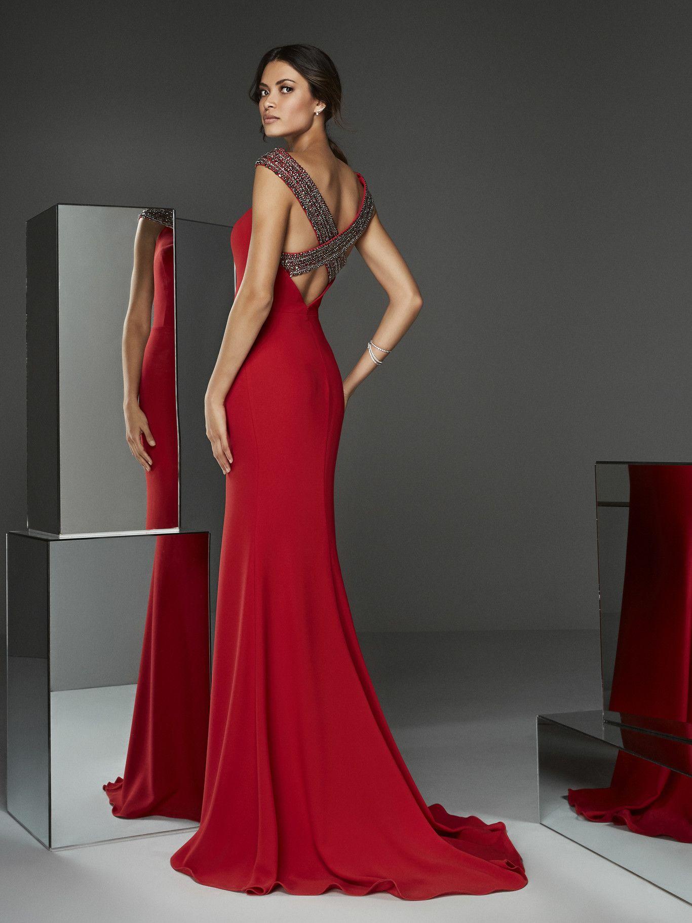 Los 89 Vestidos De Fiesta De Pronovias Colección 2020 Diseños De Alfombra Roja Con Lo Vestidos De Fiesta Vestidos Fiesta Pronovias Vestido Invitada Boda Noche