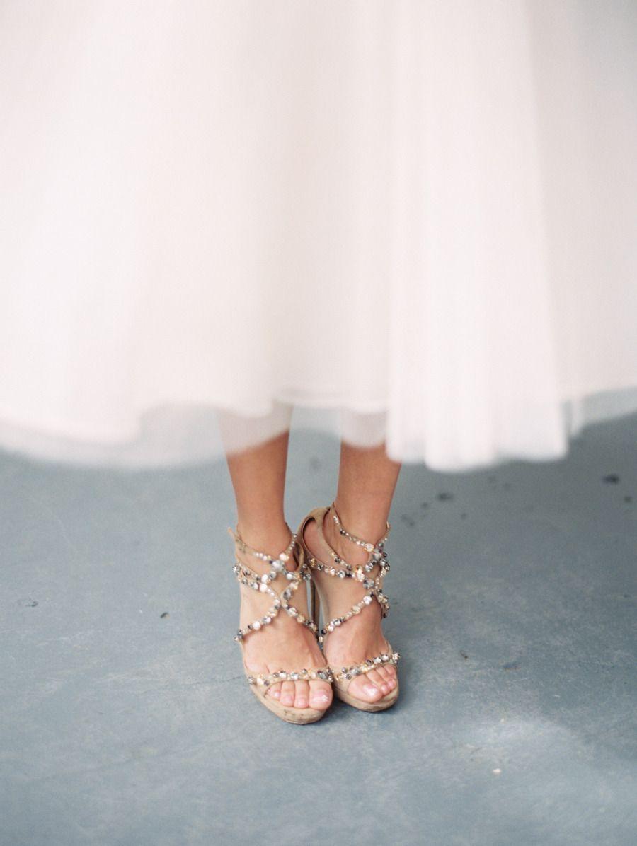 #silver wedding shoe Photography: Tara Francis Photography - www.tarafrancisphotography.com Photography: Bunn Salarzon - www.bunnsalarzon.com