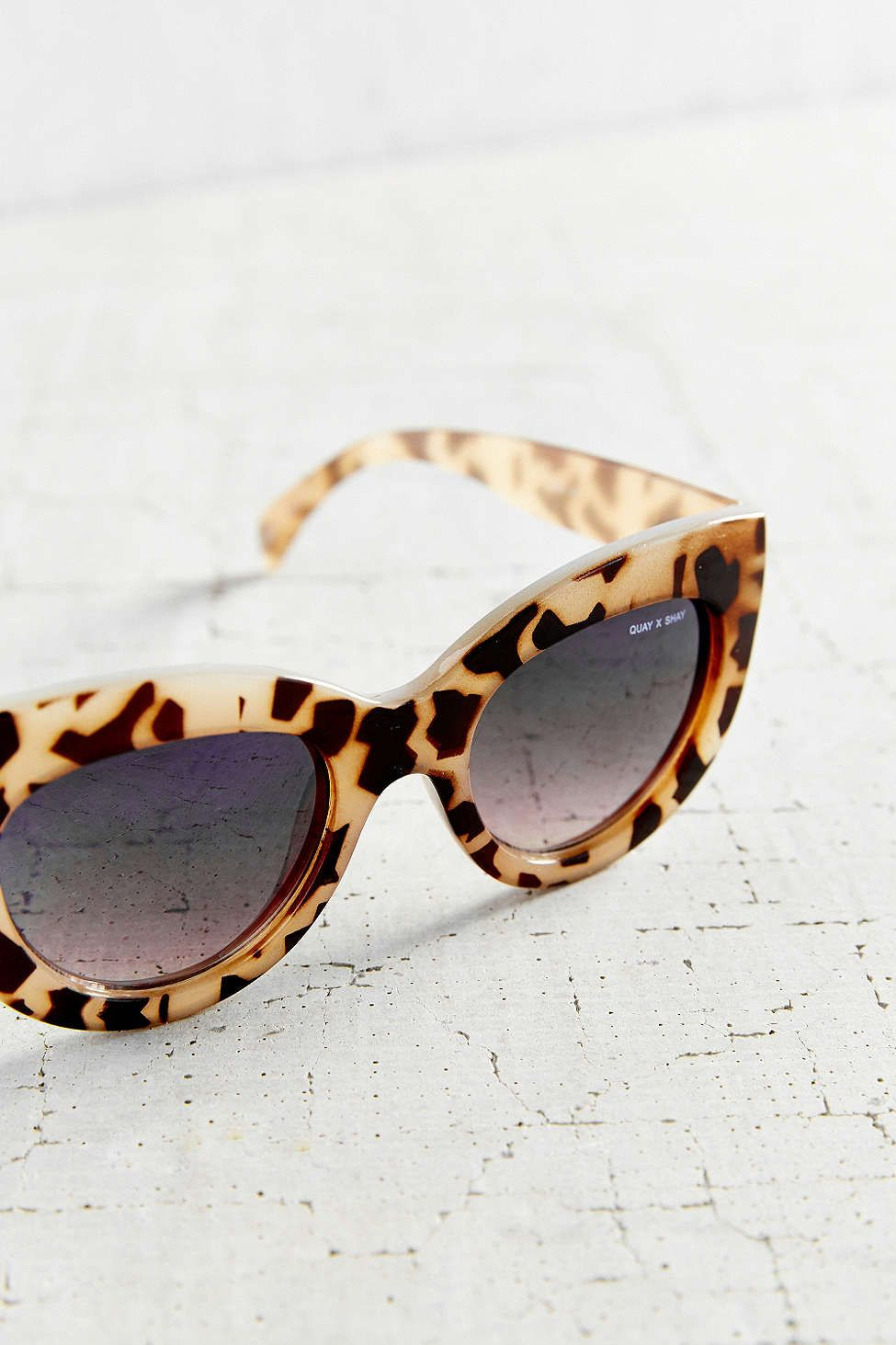 Quay X Shay Mitchell Jinx Cat-Eye Sunglasses - Urban Outfitters