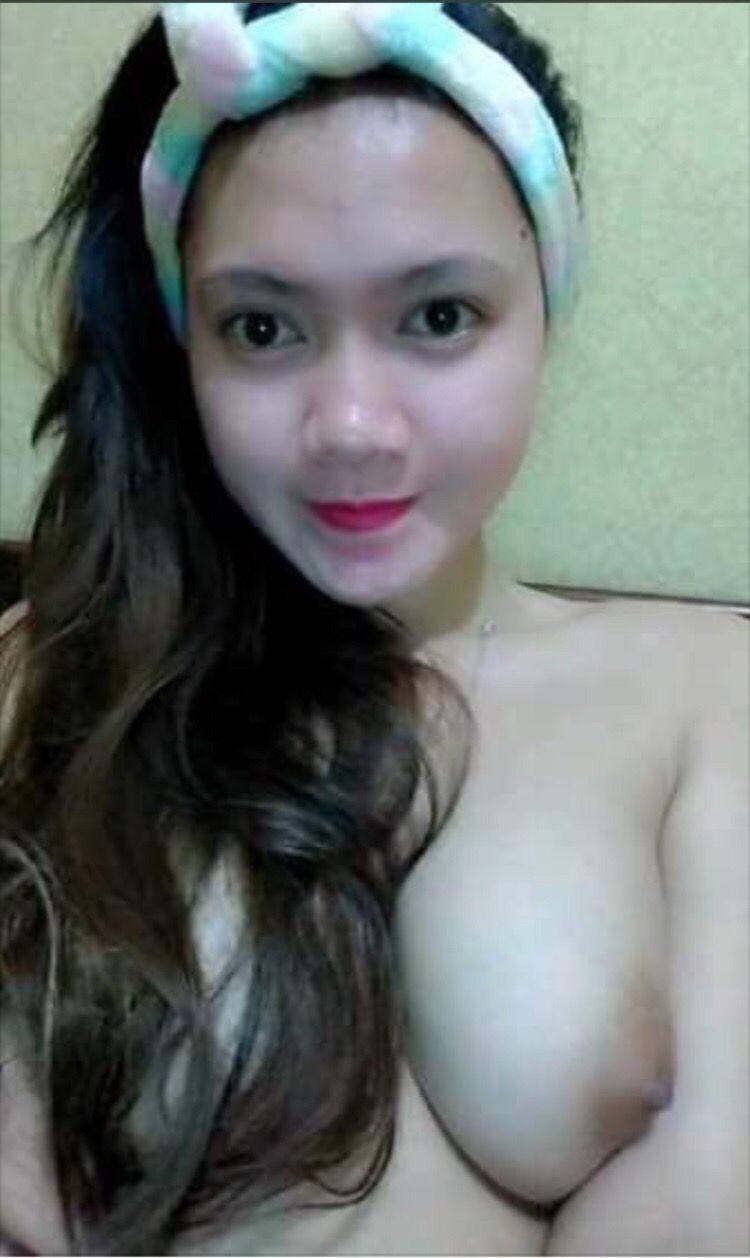 Foto Cewek Selfie Bugil Pamer Toket
