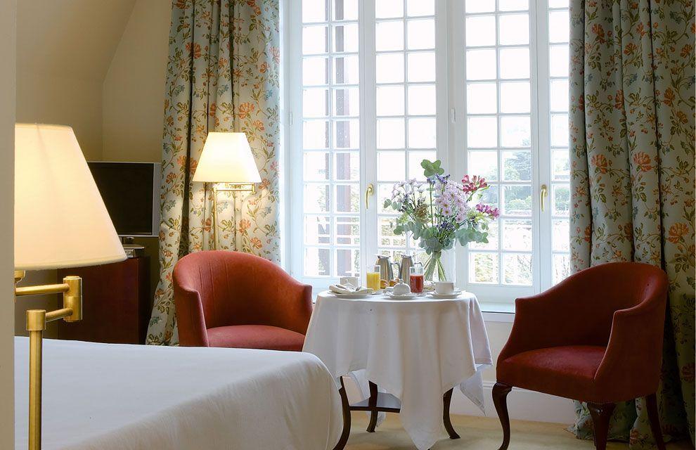 Hotel Villa Soro Ejemplo De Buen Gusto En San Sebastián Hotel Villas Decoracion De Interiores Villa