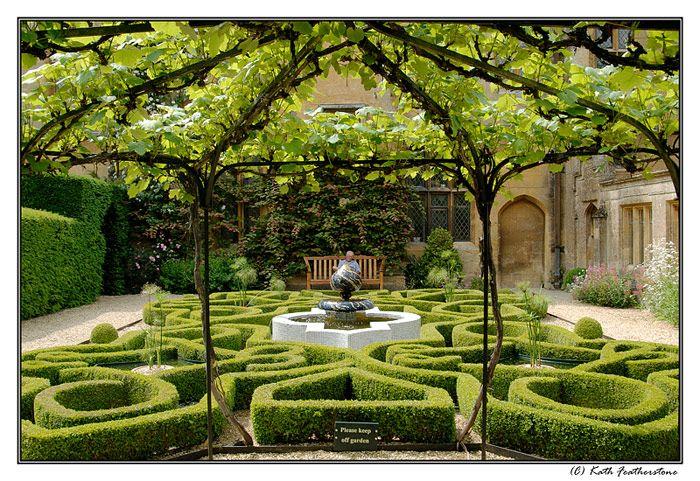 Winchcombe Large Backyard Landscaping Backyard Landscaping Affordable Backyard Ideas