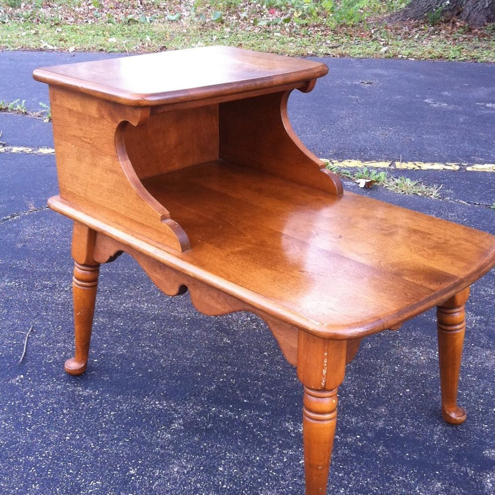 Stylish Ethan Allen Heirloom Maple Spoonfoot Step End Table   Free Shipping!
