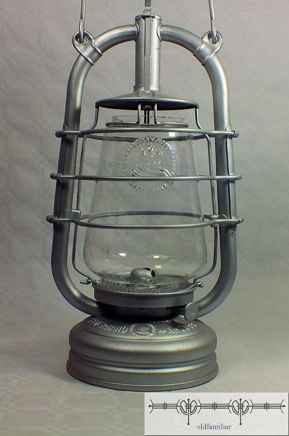 Feuerhand 201 Sturmlaterne Top 30er Jahre Von Oldfamiliar1 Auf Etsy 55 00 Alte Laternen Lampe Laterne