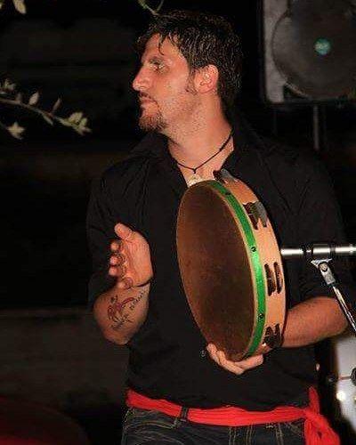 #napoli #foto_napoli #spettacolo #tammurriata #pizzica #taranta #vesuvio #amore #passione #passion #love #musica #music #folkmusic #folk #musicapopolare #anemanticamusicapopolare by anemanticamusicapopolare https://www.instagram.com/p/BBjk4YMyp2U/ #jonnyexistence #music