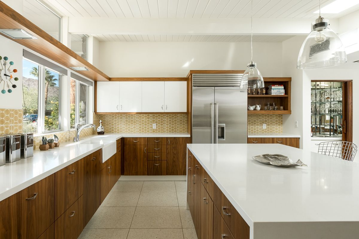 Palm Springs Midcentury With Pool And Panoramic Views Asks 2 6m Mid Century Modern Kitchen Kitchen Style Modern Kitchen