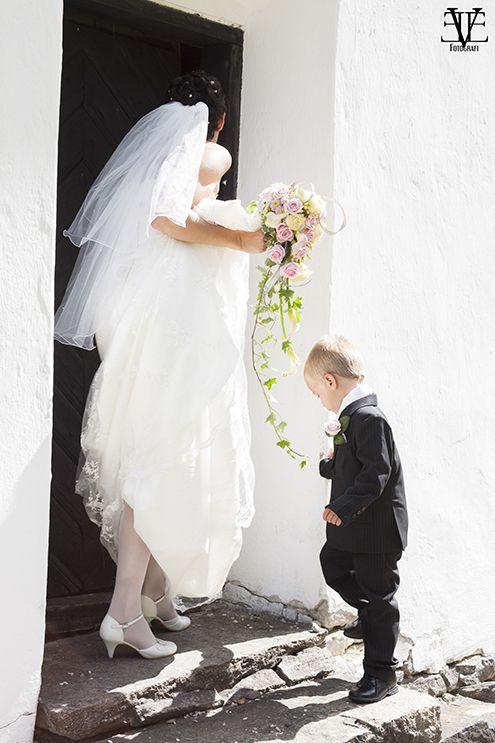 Weddingportrait Photographer: Evelina Eklund Hassel - Eve Fotografi in Jönköping, Sweden www.EveFotografi.se