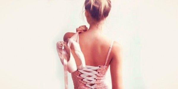 El Ballet es una de las disciplinas más excigentesybellas que existen. Sé que las amantes de este arte estarán realmente complacidas con estos encantadores accesorios.