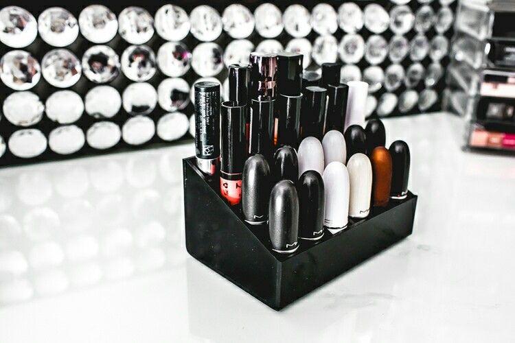 die besten 25 glanz lippenstift ideen auf pinterest bad. Black Bedroom Furniture Sets. Home Design Ideas