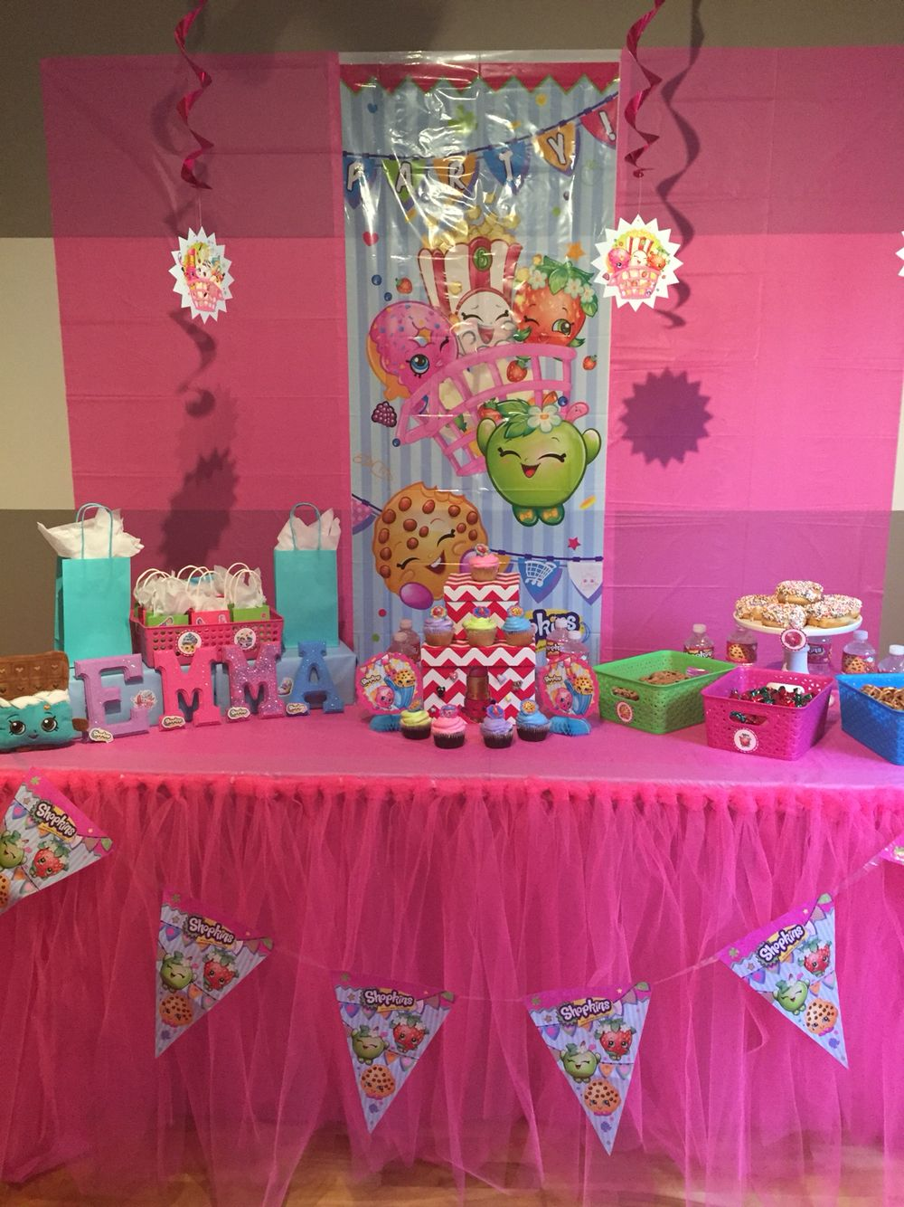 Shopkins party - sweets table