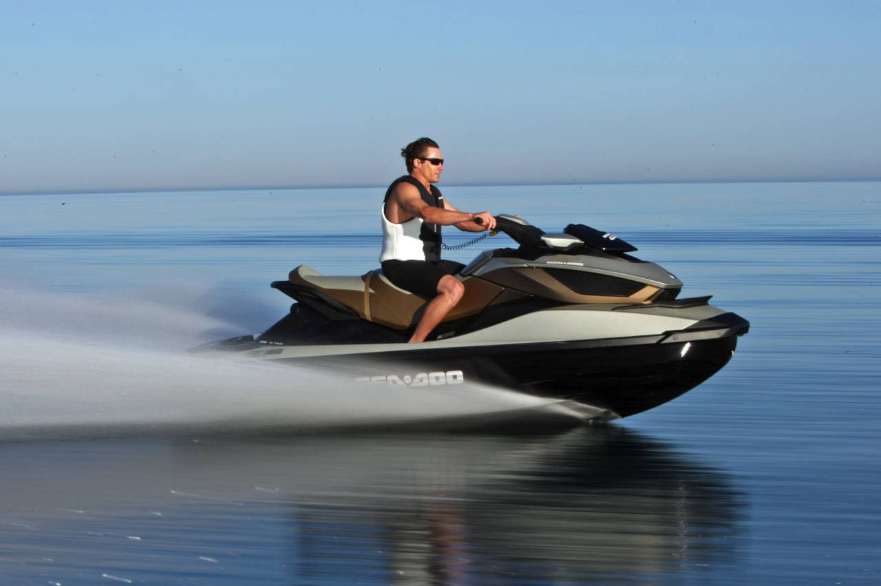 I would love to have my own jet ski! | ℬlow Out The Candles