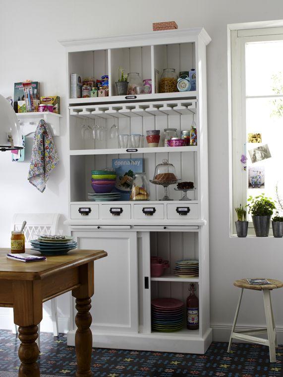 Dieser wunderschön große Küchenschrank bringt eine ganze Menge - aufkleber für küchenschränke