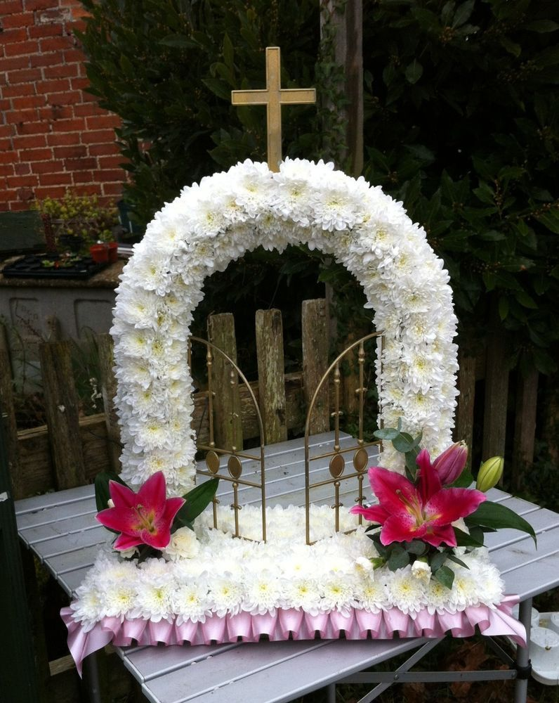 Fresh flower gates of heaven funeral tribute free delivery west fresh flower gates of heaven funeral tribute free delivery west sussex only izmirmasajfo Choice Image