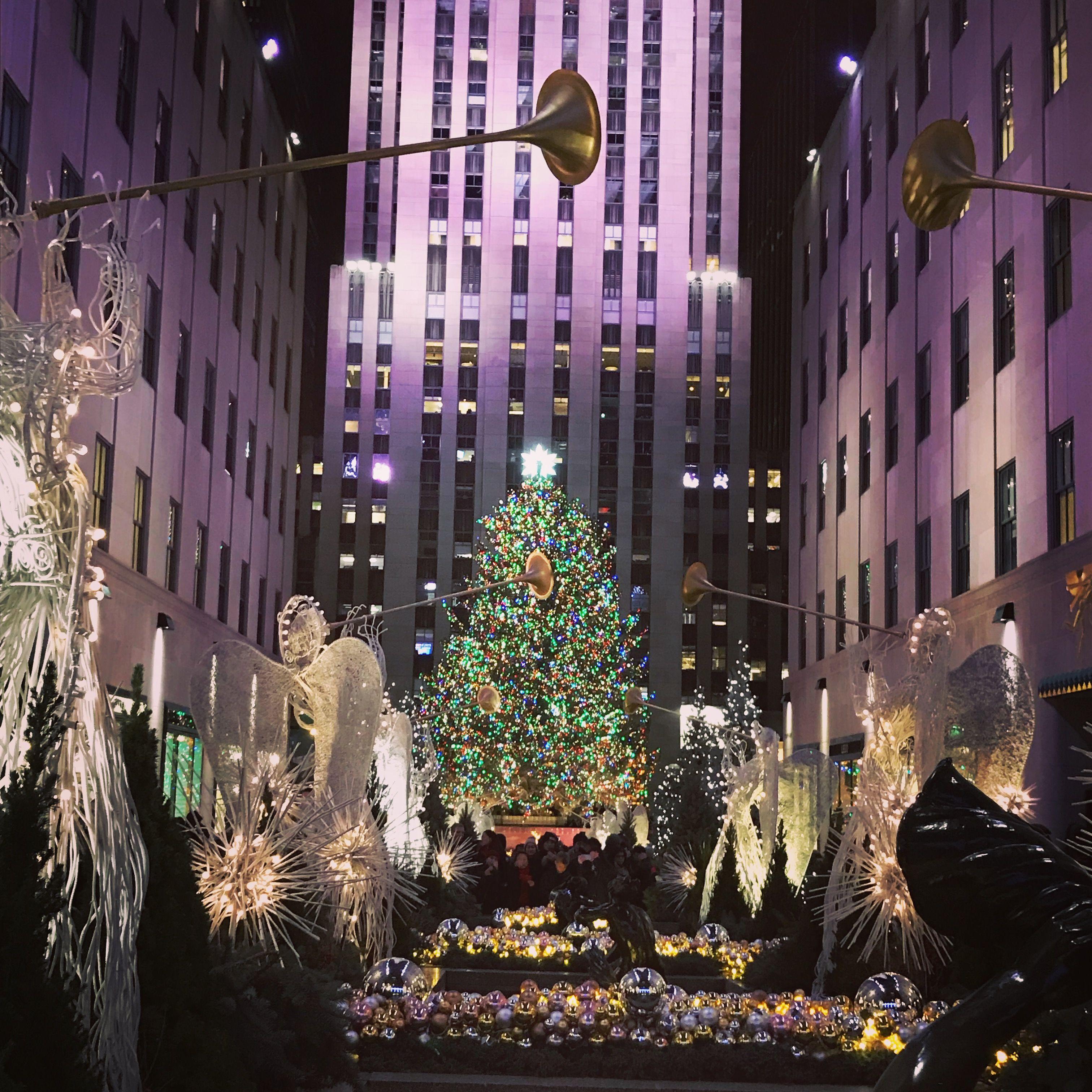 #christmasinnewyork #newyorkcity #rockefellercenter #rockefellerchristmastree #christmastree