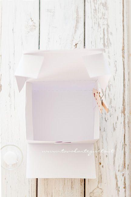 Scatola per biscotti fai da te ricetta lavori con il cartoncino scatole fai da te e biscotti - Costruire un portagioie ...