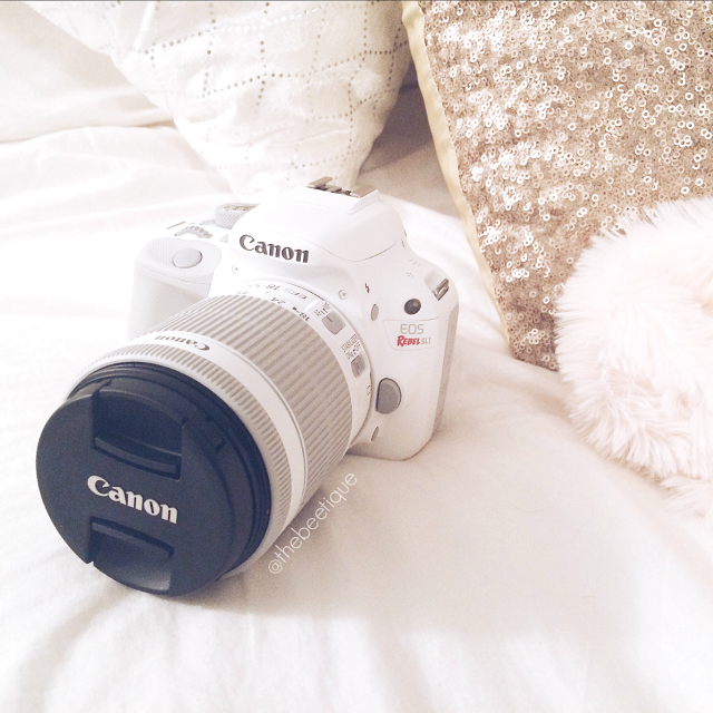 My First [white] DSLR :: Canon EOS Rebel SL1 in white. The smallest & lightest digital SLR camera in the world and perfect for beginners.  via thebeetique.blogspot.com