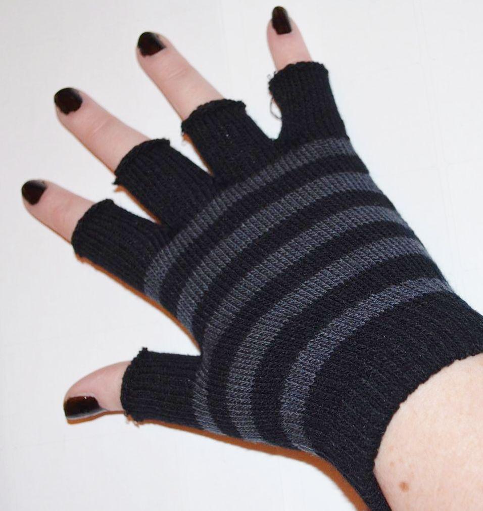 Fingerless gloves eso -