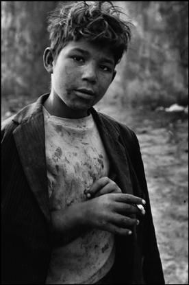 •• © Sergio Larrain •• los niños del mapocho