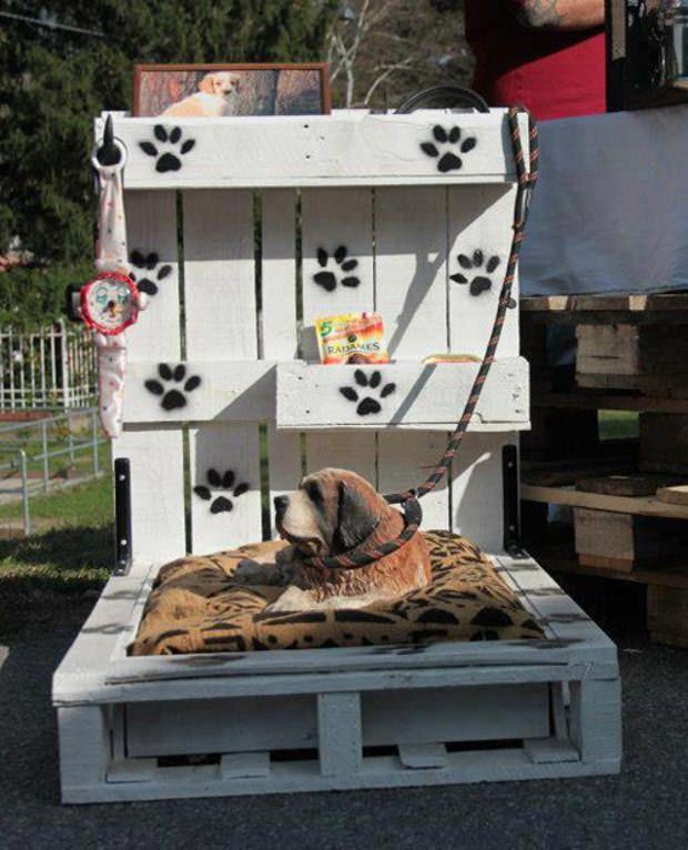 Cuccia fai da te 7 idee per costruire una cuccia per cani for Costo materiale per costruire una casa