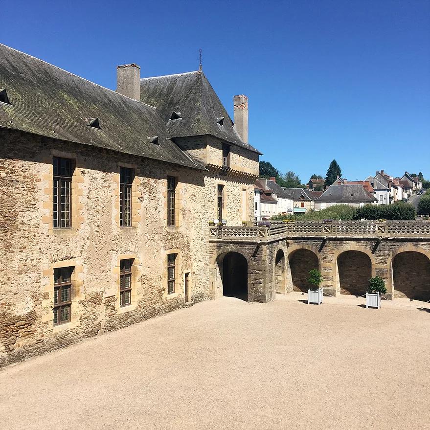 Le Château De Jumilhac, La Demeure D'un Alchimiste