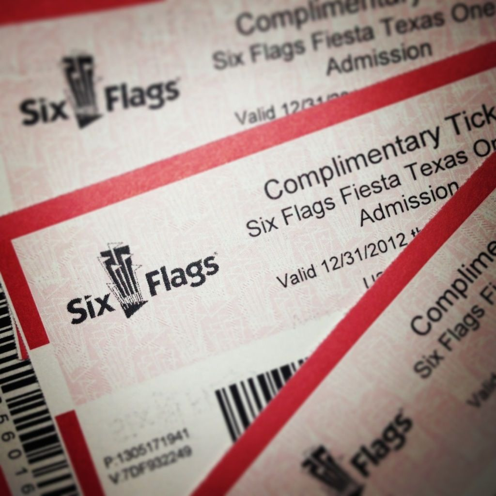 Six Flags Ticket Giveaway Six Flags Champagne Taste Its My Birthday