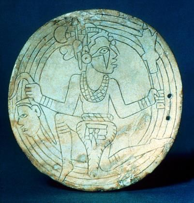 mississippian culture | Incised shell gorget Tennessee. c. 1250 ...