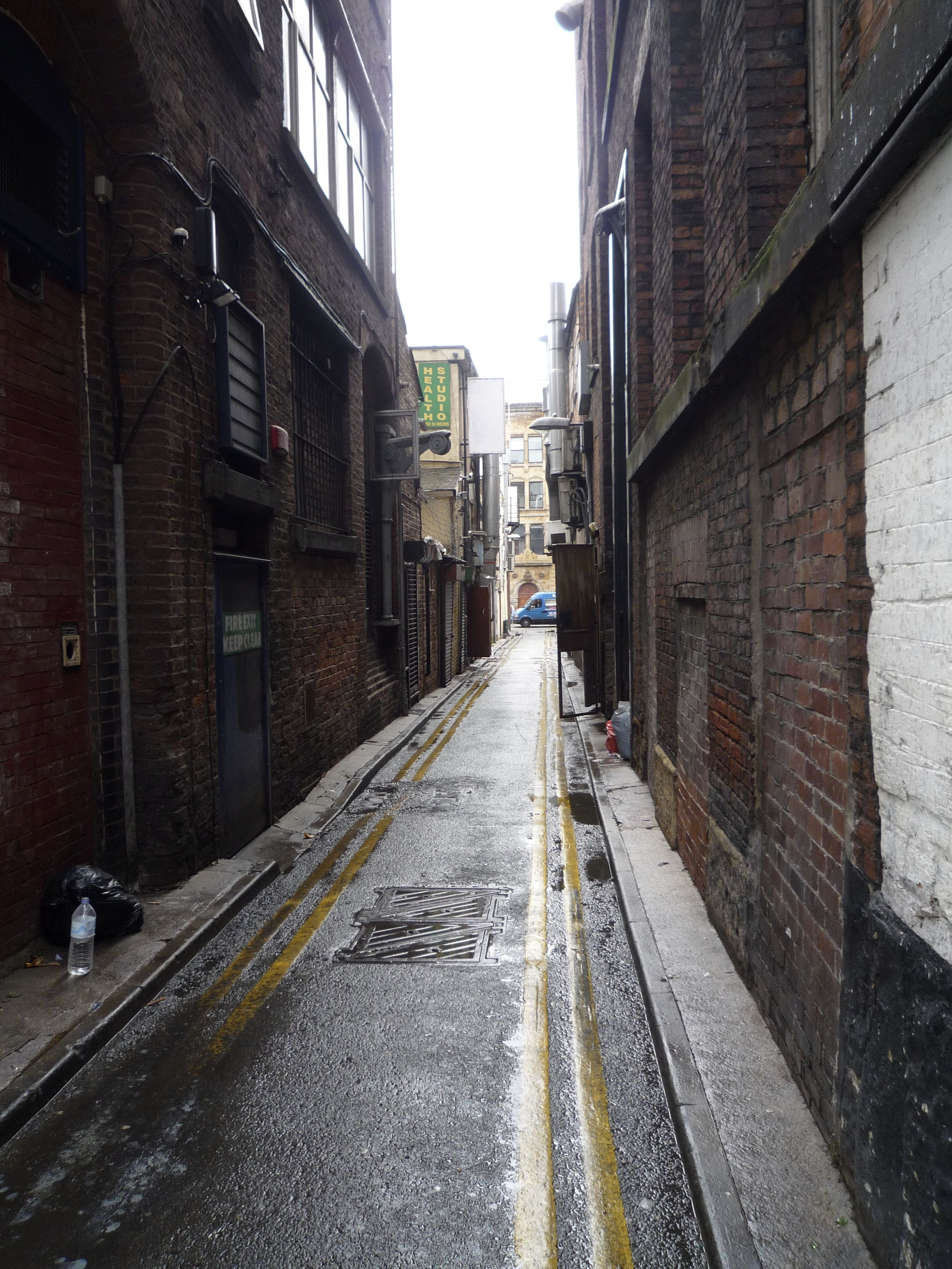Alleyway in Chinatown, Manchester | Cinematography Class ...