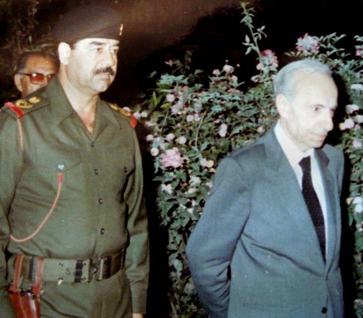 الشهيد بإذن الله صدام حسين مع القائد المؤسس ميشيل عفلق Memorial Architecture Martyrs The Past