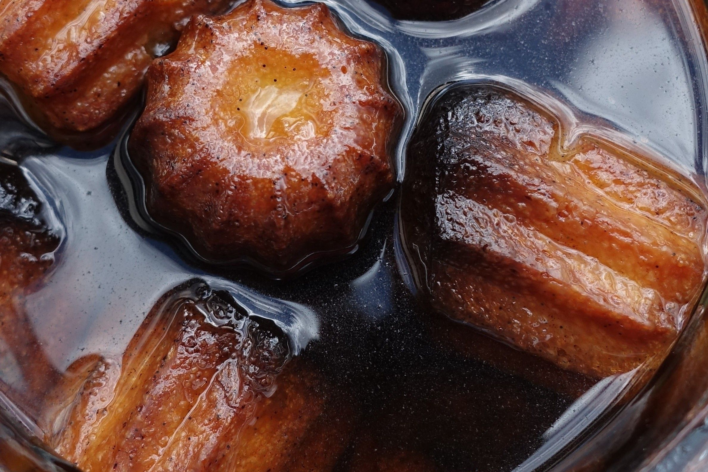 cannelés façon baba au rhum - Recette i-Cook'in | Guy Demarle