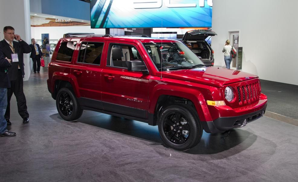 Jeep Patriot Pictures Photo Gallery Car And Driver Jeep