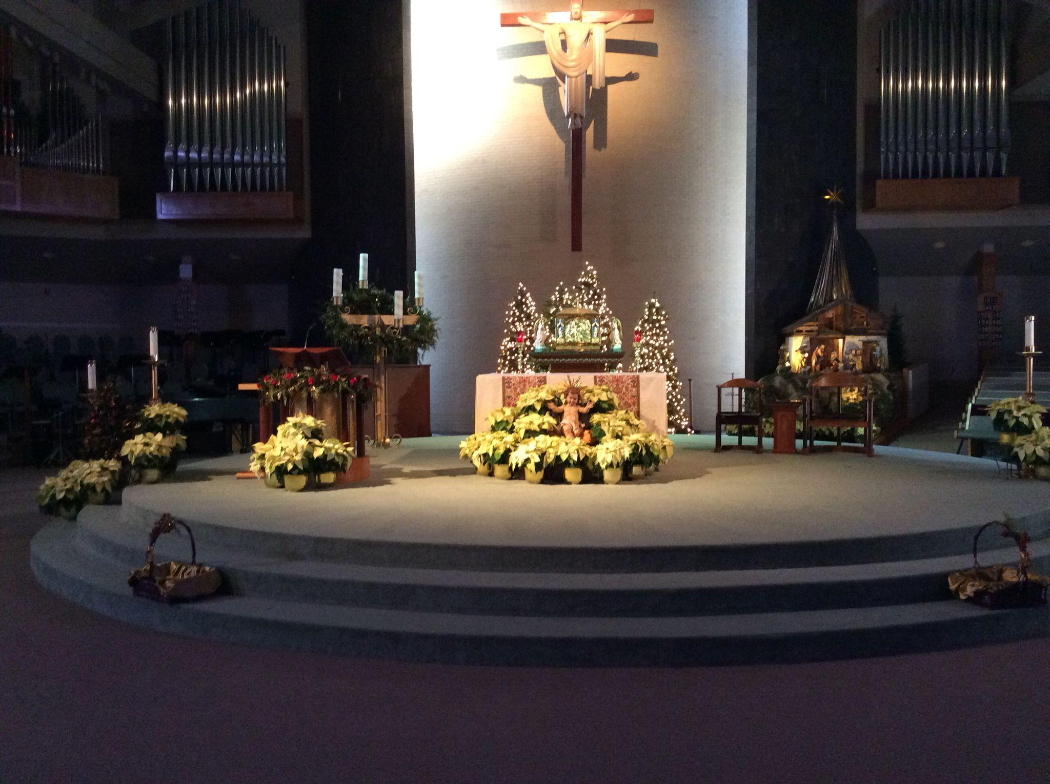 Altar Christmas decoration . Epiphany of the Lord Catholic Church ...