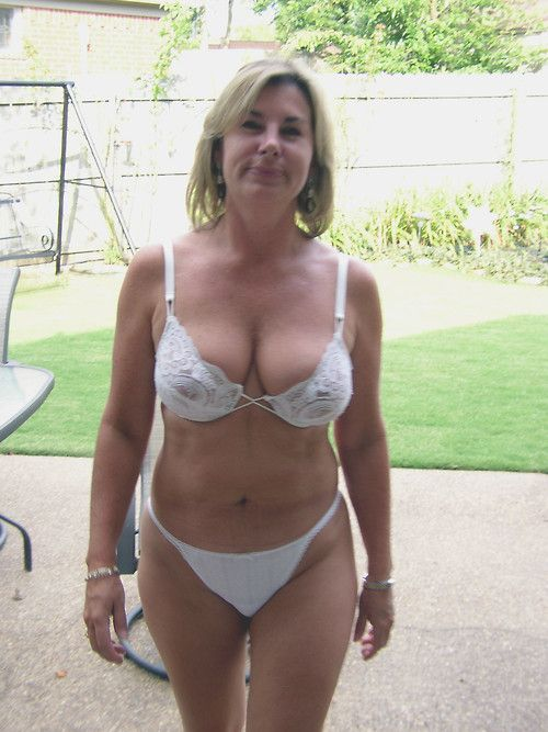mature bathing suit Amateur