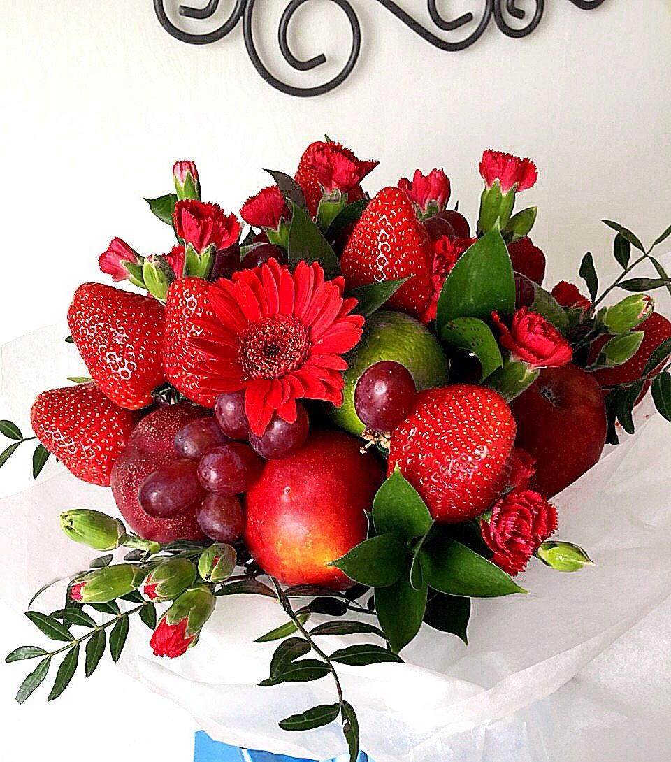 Февраля, открытки с цветами и фруктами