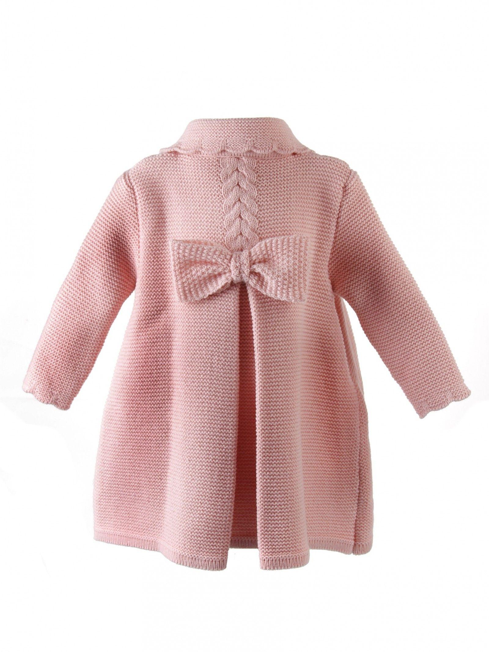 48409a4b0 Abrigo de lana para niña de punto bobo con ochos y lazo zapatero ...