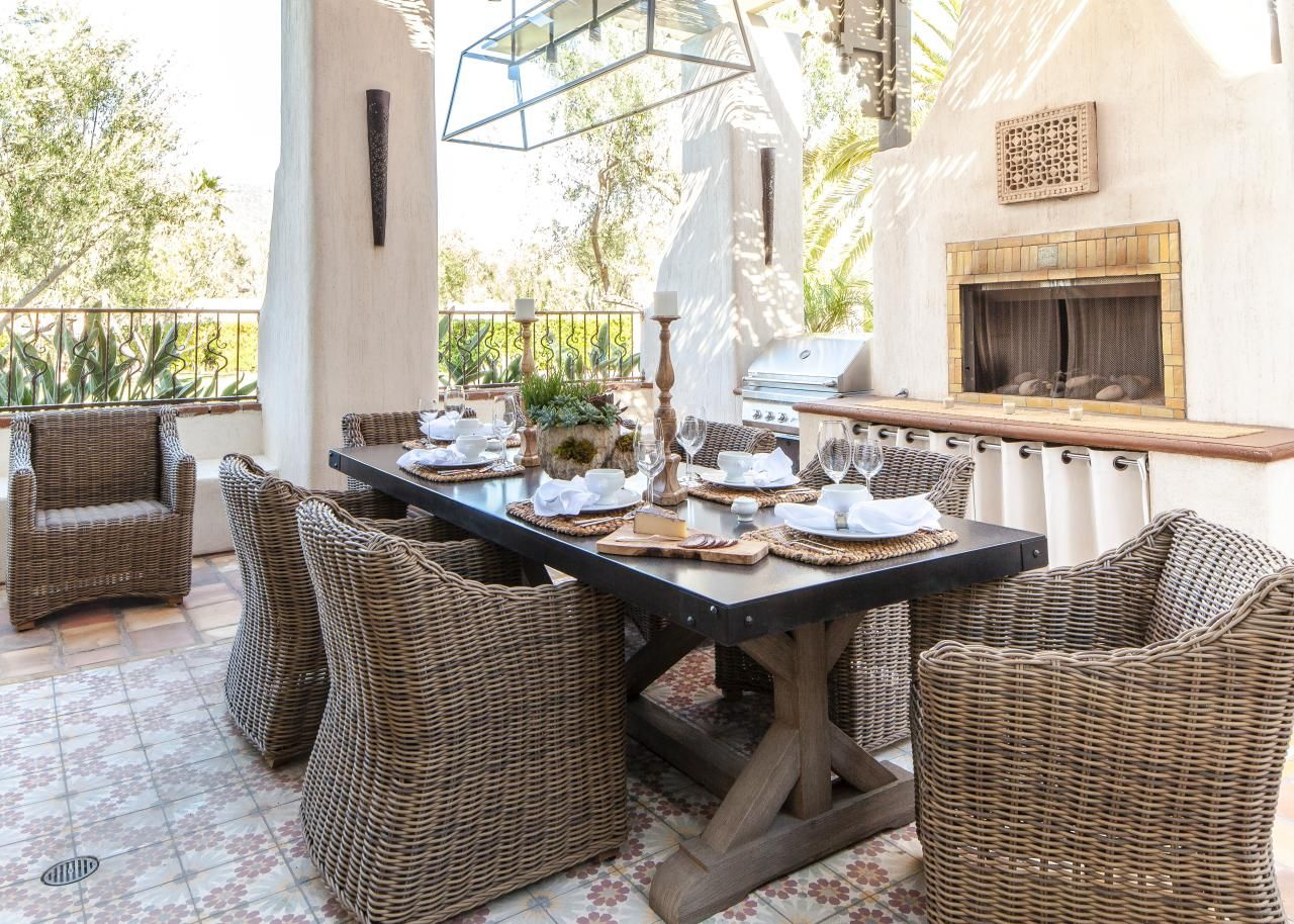 Outdoor Entertaining Is Oh So Luxurious In This Relaxed Mediterranean Style  Patio Dining