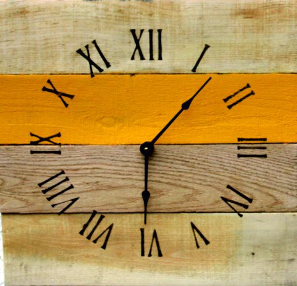Wall clock made creative of wood Holz Uhr drevene hodiny drewniany zegar