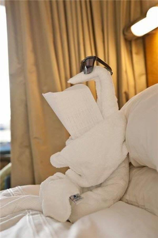 CREATIVE TOWEL ORIGAMI DIYS.